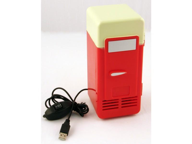 mini minijääkaappi jääkaappi tölkki kylmentää peltier elementti matkajääkaappi autoon olut coca-cola jäähdyttää viilentää usb tietokone